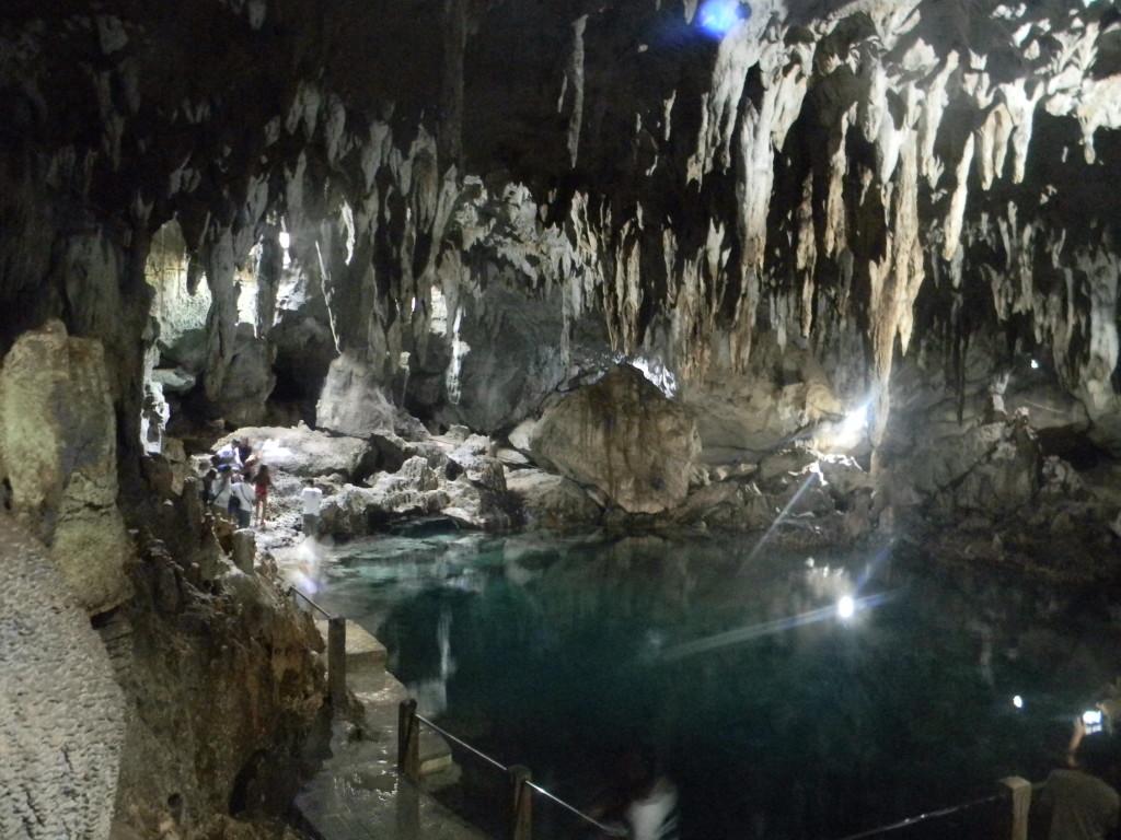 Hinagdanan Cave