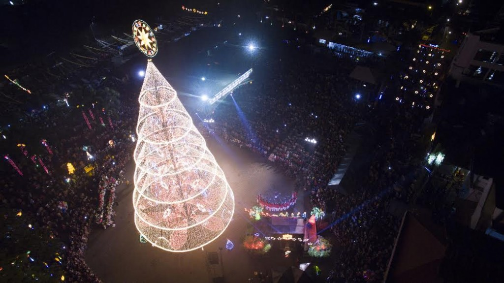 Tagum's Giant Holiday Tree 1