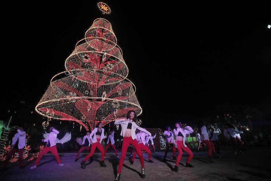 Tagum's Giant Holiday Tree 4