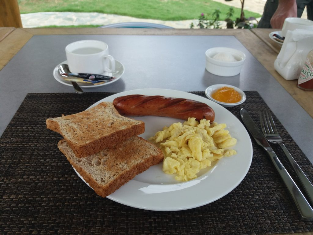 Our free breakfast that Cocoy and Ate Serena (?) prepared for us. (Hi guys!)